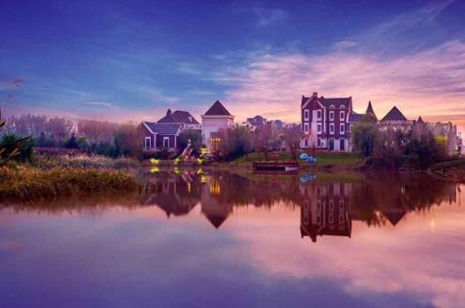 据了解,碧桂园・莫奈的湖距离武清高铁站11公里,距离北京东四环69