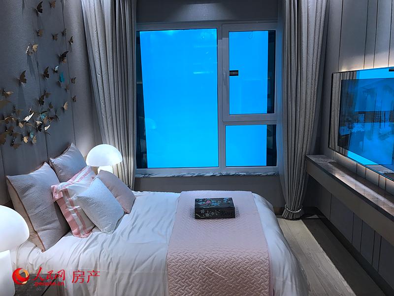 """""""盛寓""""的户型设计和装修风格具有典型的港派开发商国际化、时尚化和实用化特质,120平方米的户型能给人以150平方米的空间感。"""