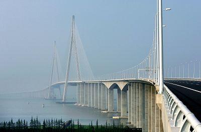 苏通大桥昨正式通车可抗2500年一遇地震