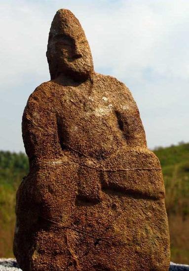 湖南发现古代石像群 规模超过秦兵马俑(组图)图片